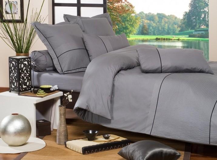 le secret d 39 une nuit r ussie est dans la malle des anges rennes des bons plans tous les bons. Black Bedroom Furniture Sets. Home Design Ideas