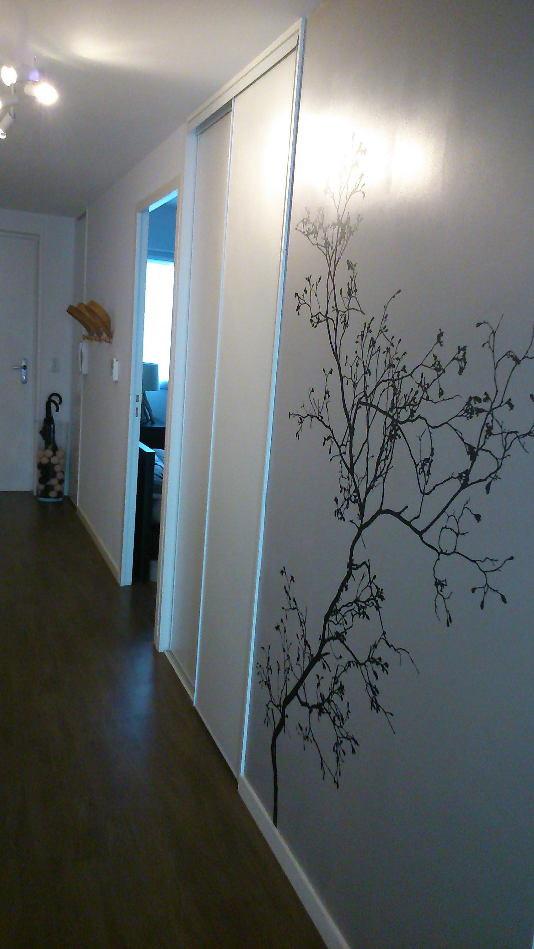 Astuces d co pour meubler un long couloir rennes des for Stickers pour long couloir